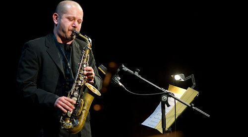 La pioggia non ferma Jazz in Parco a Nocera Inferiore: il concerto di Di Battista si trasferisce al teatro Diana