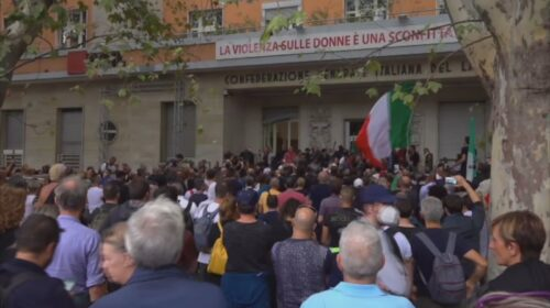 Assalto no green pass a Roma, presidio permanente a Salerno presso la sede Cgil