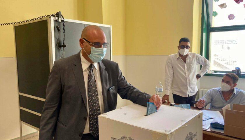 Comunali Salerno, anche Cammarota stamani al voto