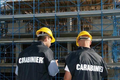 Salerno, lavoro nero e carenza di sicurezza tra le attività commerciali e i cantieri edili: multe e sospensioni delle attività