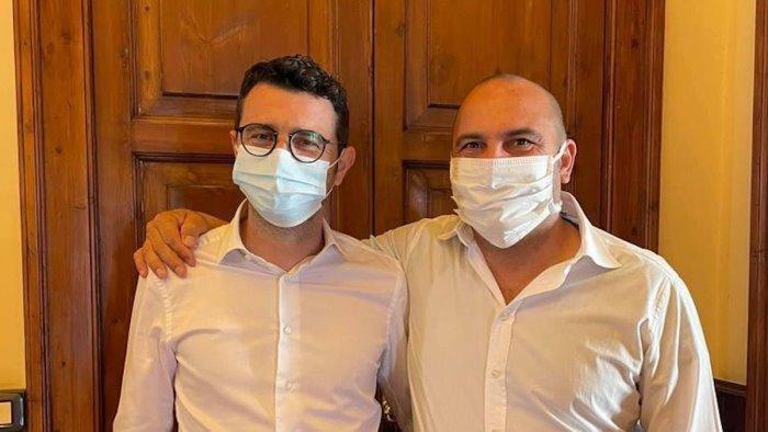 Pontecagnano, consigliere Castelluccio aggredito in centro: aveva chiesto di rispettare le regole per la differenziata