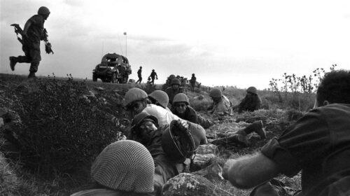 Il 6 ottobre del 1973 Egitto e Siria attaccano Israele: inizia la guerra del Kippur