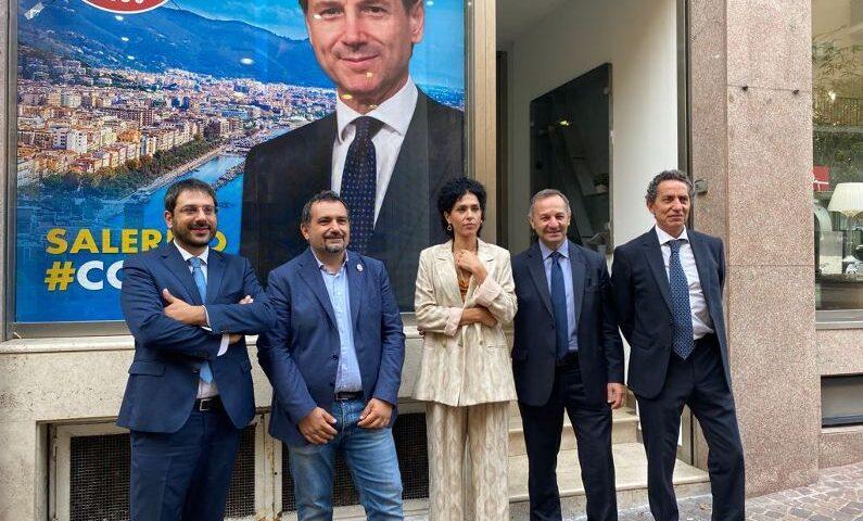 """M5S, Salerno: """"Voti in cambio di appalti e corruzione elettorale. La procura squarcia il velo sul Sistema Salerno""""."""
