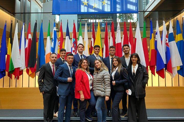 Tirocini a Bruxelles con l'europarlamentare Lucia Vuolo. Ecco come partecipare