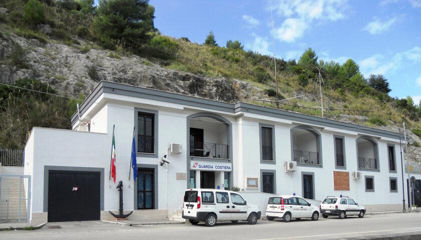 Malore mentre passeggia sul porto di Palinuro, muore turista
