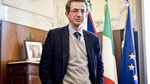 Sindaco di Napoli chiude campagna elettorale di Gualtieri a Roma e viene derubato
