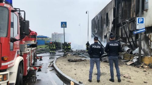 Aereo precipita nel milanese, 8 morti