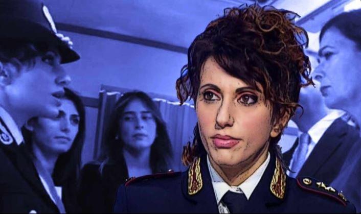 "Poliziotta no-vax, De Luca: ""Sembrava Wanda Osiris senza ballerini"""